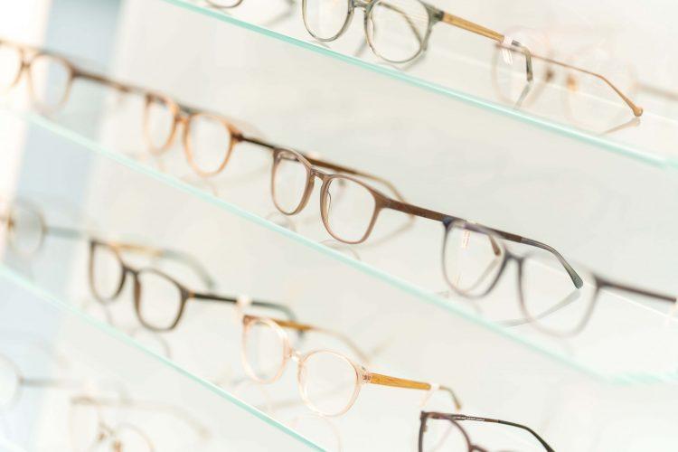 Brillenauswahl bei Ryser Optik
